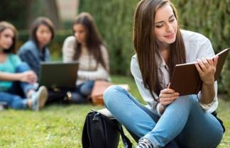 Θερινή προετοιμασία για την Α' Λυκείου και την Γ' Γυμνασίου
